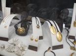 Yvel - joyas estilo etiope fabricadas por los propios alumnos