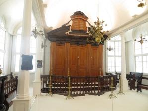 Museo de Israel - Sinagoga portuguesa, con arena en el suelo