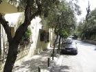 Me encantan las calles de Atenas como esta, llenas de verde!
