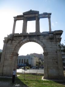 Arco de Adriano, que separaba la Atenas antigua de la ciudad de Adriano