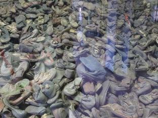 ... zapatos,...