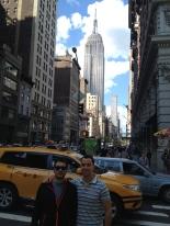 Omar y Roberto, con el Empire State Building de fondo