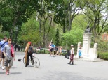Washington Square está lleno de artistas y algún que otro personaje ;)