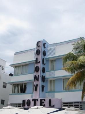 Colony Hotel, uno de los conocidos por su estilo Art Decó.