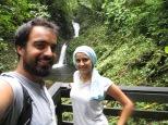 Selfie a los pies de la cascada en Monteverde