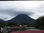 Preciosa nube sobre el volcán El Arenal