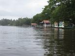 Vista de Tortuguero desde los canales.