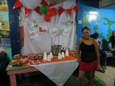 En el hostel, celebrando el babyshower de Susana
