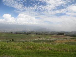 Rodeados de montañas, de mucho verde y también de mucha agricultura.