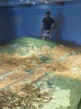 Se observa como la ciudad se fue expandiendo montaña arriba