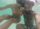Y lo difícil que es hacerse un selfie conmigo dentro del agua... Floto demasiado!
