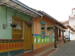 Guatapé, un pueblo lleno de color
