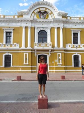 Junto a la plaza de Bolivar se encuentra este edificio del que se presume que es el más antiguo en América del Sur, construido en 1531.
