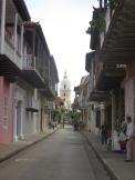 En la calle de la Iglesia. Típica foto de Cartagena :)