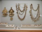 En el museo del Oro Calima se encuentra una colección arqueológica, compuesta por artefactos de piedra y madera, vasijas de cerámica y una gran colección de adornos de oro de quienes habitaron el Valle del Cauca antes de la conquista europea.