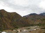 Las cinco horas de trayecto a causa del corrimiento de tierras no nos las quitó nadie, pero que preciosidad de montañas!