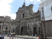 Fachada de la Iglesia de la Compañía de Jesús. Estilo barroco en estado puro, entallado sobre piedra volcánica... para mi gusto, está un pelín cargadita :p