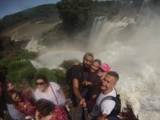 Con Jan y Mónica, en la plataforma intermedia de las cascadas