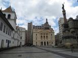 En esta plaza se encuentra el punto donde Sao Paulo fue fundada el 25 de enero de 1554.