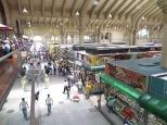 Vista desde la primera planta del mercado, donde venden bocadillos de mortadela a precios no aptos para nuestro presupuesto