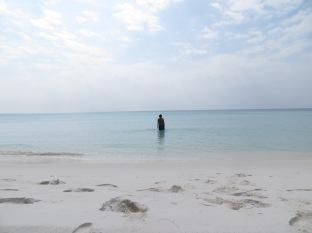 A medio camino un bañito en nuestra solitaria y paradisíaca playa