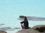 Juny meditando en la piedra filosofal <3