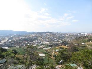 Desde el telecabina se puede ver la cantidad de invernaderos que hay en los alrededores de Da Lat