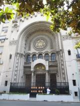 Buenos Aires cuenta con una importante comunidad judía, la tercera en sudamérica y la séptima del mundo. Aunque el guía dijo que eran la segunda después de Israel :p (es que para los argentinos lo suyo es lo máaaaximo! XDDD)