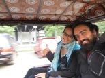 En nuestro tuk tuk de camino al hostel ;)
