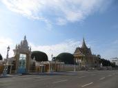 Carretera de acceso al Palacio Real... con cinco carriles!