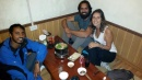 Buscando un lugar para cenar con Kirish, terminamos en un bar de los auténticos y probamos un hot pot para 3. Toda una experiencia!