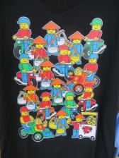 Es total esta camiseta, con muñequitos playmobil vietnamitas!