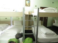 Así eran las comodísimas literas del Hanoi Rocks Hostel :) Eso sí, en esta habitación había... 14 camas