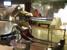 Uno de los primeros modelos de rickshaw... Aún los hay no motorizados, pero la mayoría de ellos al menos van a pedales.