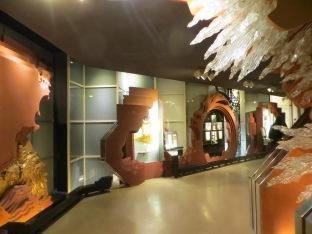 Sorprende lo moderno y vanguardista del interior del museo