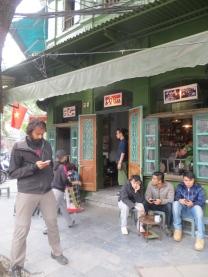 Utilizando el WiFi del Cafe Cong para coordinarnos con los Javieres