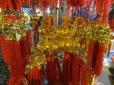 """Motos con """"arboles de mandarinas"""", bolas rojas, adornos rojos y dorados,... todo el mundo se prepara para el gran día!"""