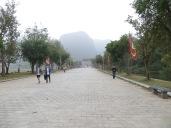Llegamos a Tam Coc sobre las 11h, día gris pero sin lluvia.