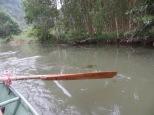 Así eran los remos y en la siguiente foto veréis como era el motor de nuestra barca... os hacéis una idea?