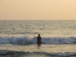 El náufrago se sumerge en el mar ^_^