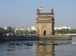 Gatway of India, hoy están de celebración militar, por lo que no nos podemos acercar demasiado.