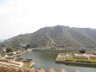 No he ido a China, pero por lo que he visto en fotos tiene un aire a la Gran Muralla China :)
