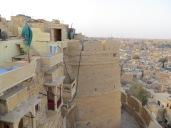 Uno de los torreones que flanquean el fuerte visto desde la terraza del hotel