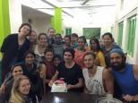 Que sorpresa más grande se llevó Dustin al ver que el Staff le había preparado una tarta de cumpleaños!