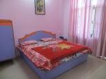 Así de bonita era nuestra habitación durante el mes de curso de yoga en Rishikesh