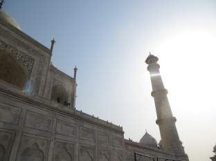 """Para Rabindranath Tagore, un poeta indio, """"el Taj Mahal es una lágrima en la mejilla del tiempo."""""""
