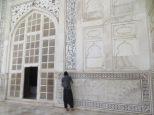 El Taj Mahal está lleno de detalles con motivos florales, geométricos, con textos del Corán,...